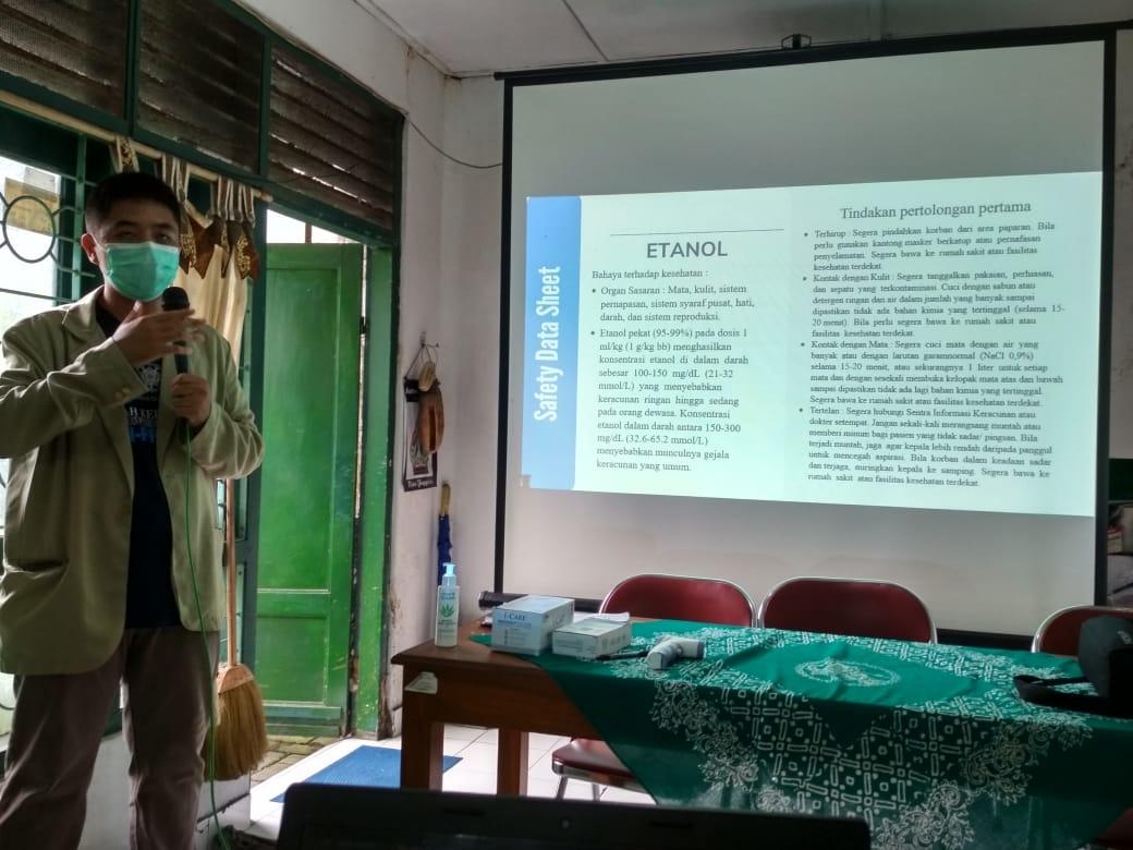 Tim KKN PPM UGM Gelar Sosialisasi Pembuatan Disinfektan dan Hand Sanitizer